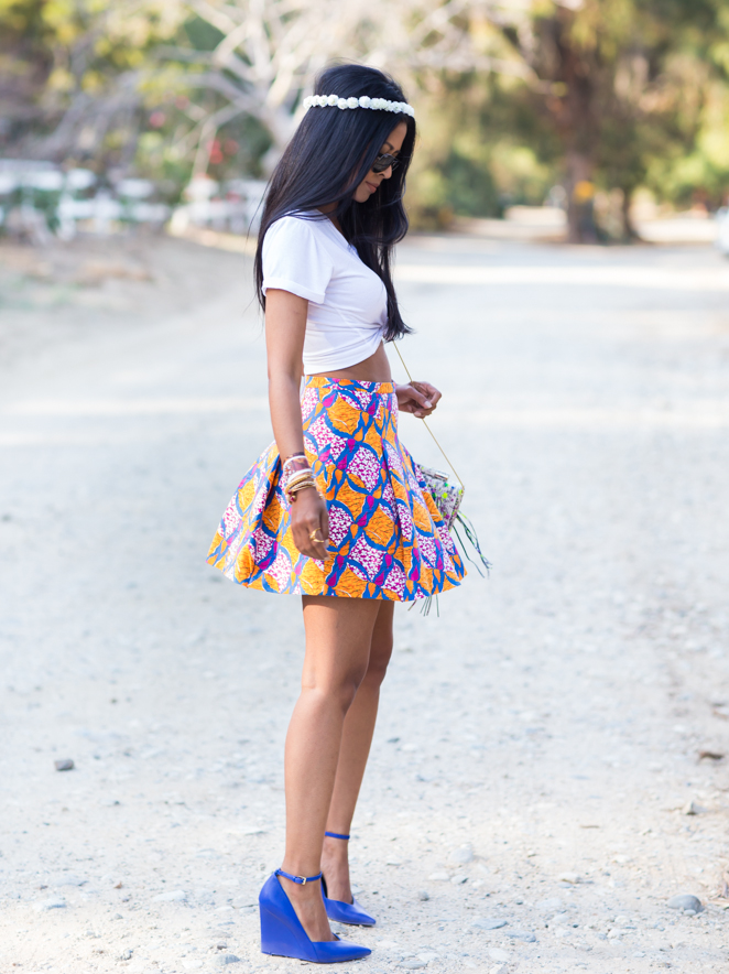 Walk In Wonderland Wearing Top From Rad and Refined, Skirt From Zara, Shoes From Nine West, Bag From Katherine Kwei
