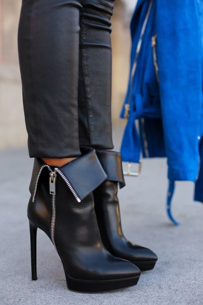 VivaLuxury Is Wearing Ankle Skinny Leather Pants From Current/Elliot And Janis Buckle Ankle Boots From Saint Laurent