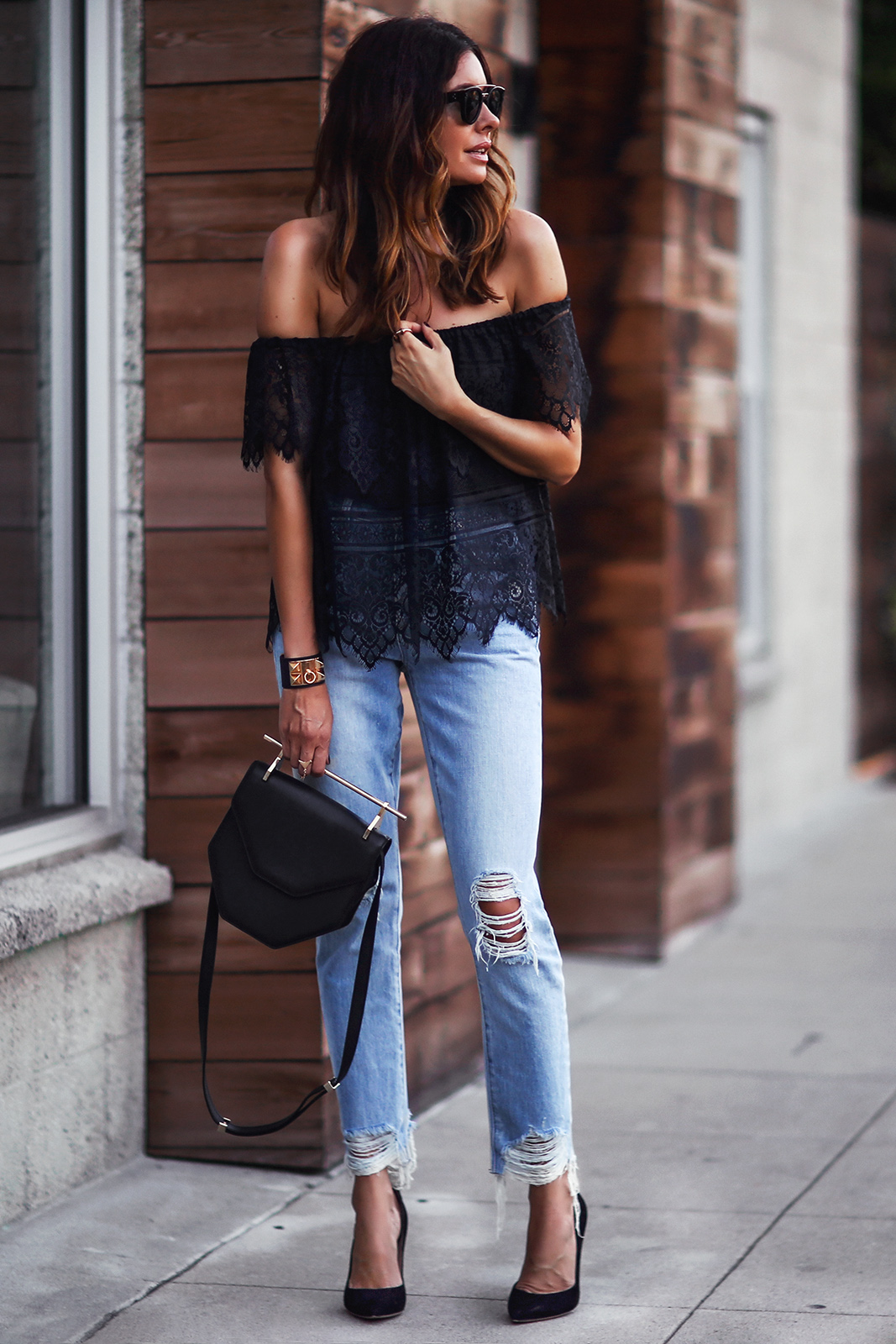 Ripped Jeans Outfits: The Ripped And Distressed Jeans Are