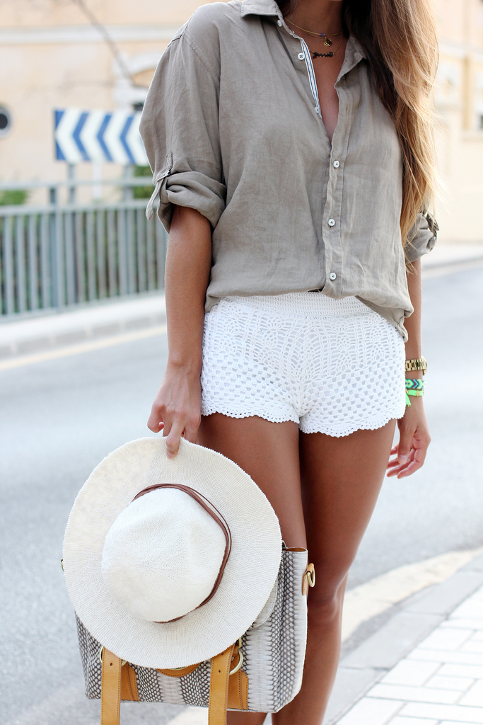 Seams For A Desire Is Wearing Khaki Shirt From Zara, Lace Shorts From H&M, Bag By Su-Shi And Hat From Oysho