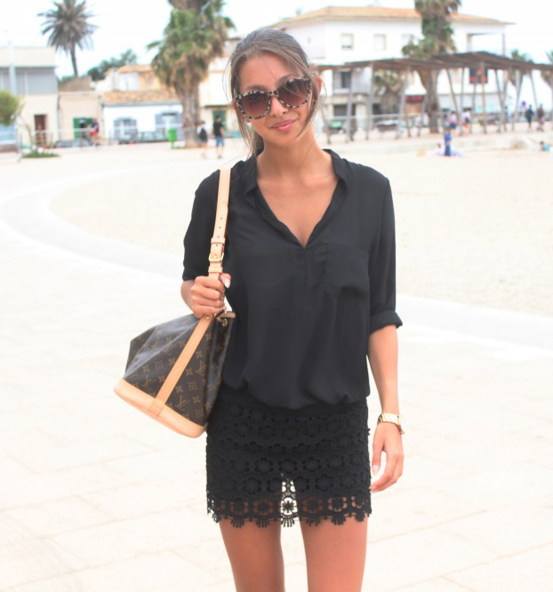 Felicia Åkerström is wearing a black lace skirt and shirt from Sheinside, bag from Louis Vuitton