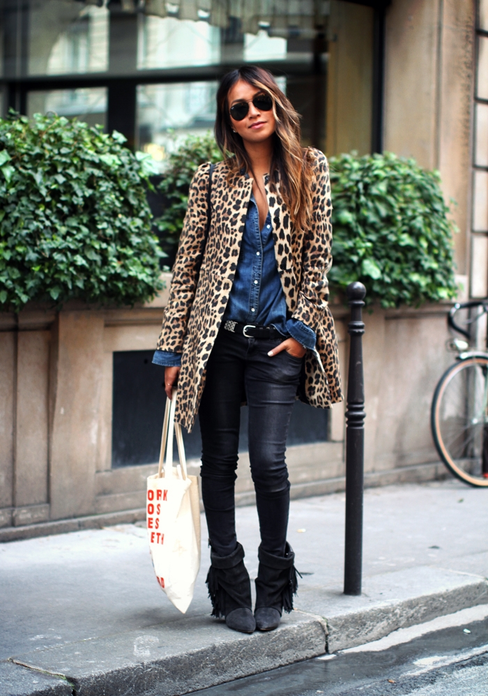 Sincerely Jules Wearing Coat From Zara, Denim shirt From Madewell, Jeans From Anine Bing, Boots From Isabel Marant, Bag Is Vintage Gucci Sunglasses From Ray Ban Tote From Clare Vivier