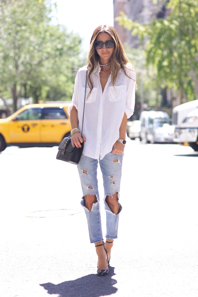 A simple white shirt and ripped jeans all day long. Via Arielle Nachami Jeans: Wildfox, Shirt: Elizabeth & James, Shoes/Bag: Valentino, Sunglasses: Bottega Venetta. Ripped Jeans Outfits