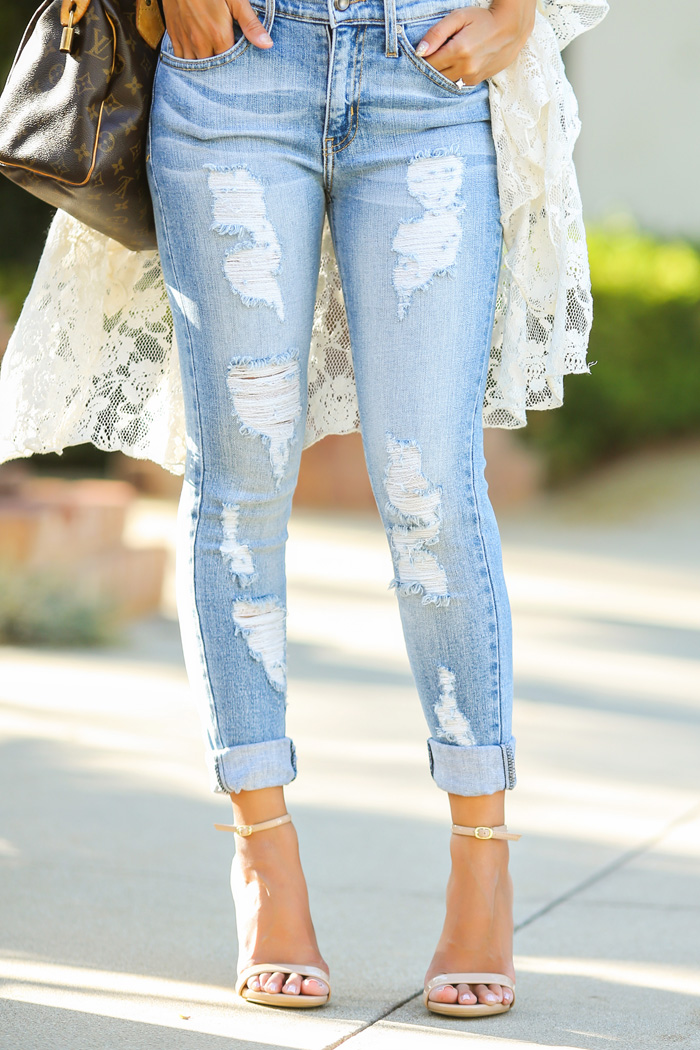 Ripped Jeans Outfits: The Ripped And Distressed Jeans Are Back