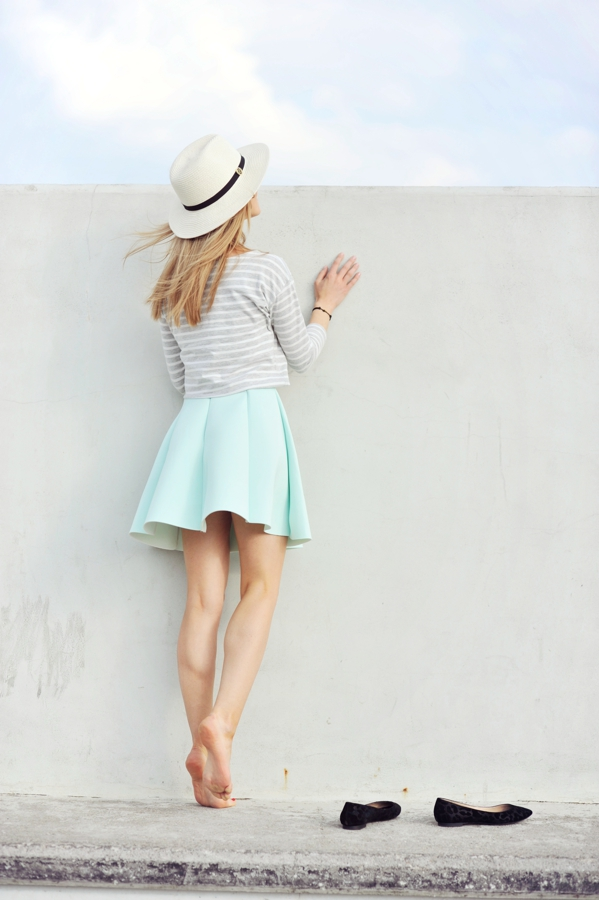Make Life Easier Is Wearing Striped Top And Light Green Palette Pleated Skirt