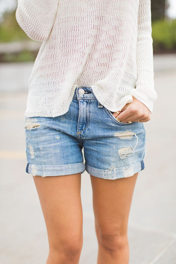 Megan From Styled Avenue Is Wearing An Off-White Eyelet Sweater From Oneill And Denim Shorts From Rag & Bone