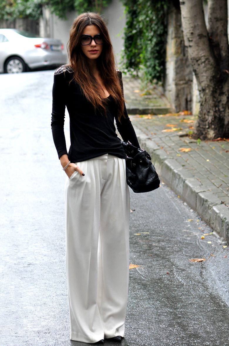 Maritsa Is Wearing Pants From Mango, Black Shoes And Top From Zara And A Christian Dior Bag