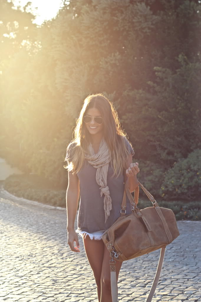 Natalia Cabezas Is Wearing Shorts And T-Shirt From Zara, Scarf From Stradivarius And Bag From Urbaks