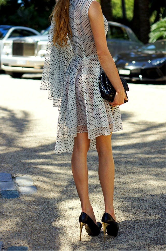 Juliett Kuczynska Is Wearing A Dress From Pajonk, Shoes From Wojas, And A Bag From Chanel