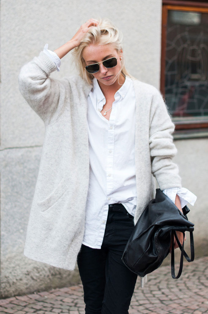 Ellen Claesson Is Wearing Black Jeans from Dr Denim, White Shirt From H&M, Light Grey Cardigan From Acne And Bag From Zara