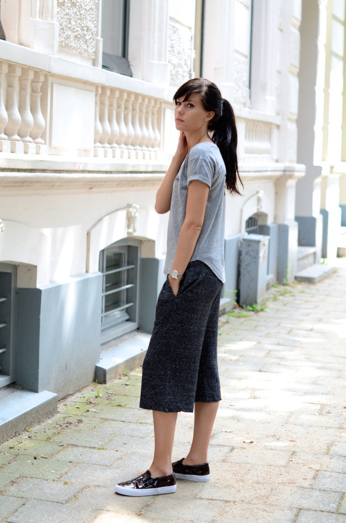 Lucy de Boer is wearing culotte shorts, shit and shoes all from ASOS