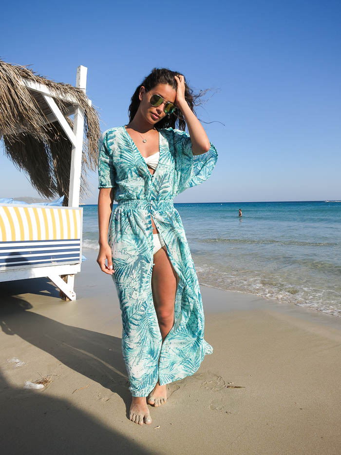 Damla Yaraman is wearing a tropical kimono from Gina Tricot
