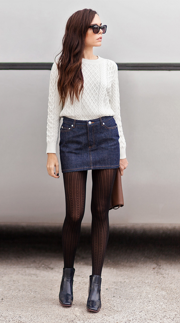Evangelie Smyrniotaki is wearing preppy white knitwear from A.P.C