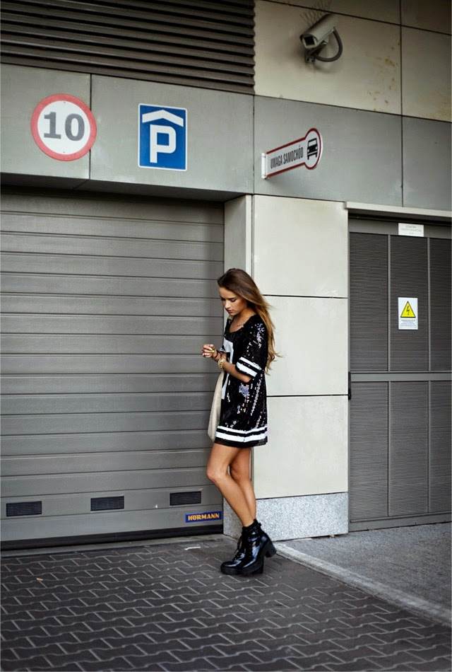 Julietta Kuczyńska is wearing a dress from Cropp and shoes from Stradivarius
