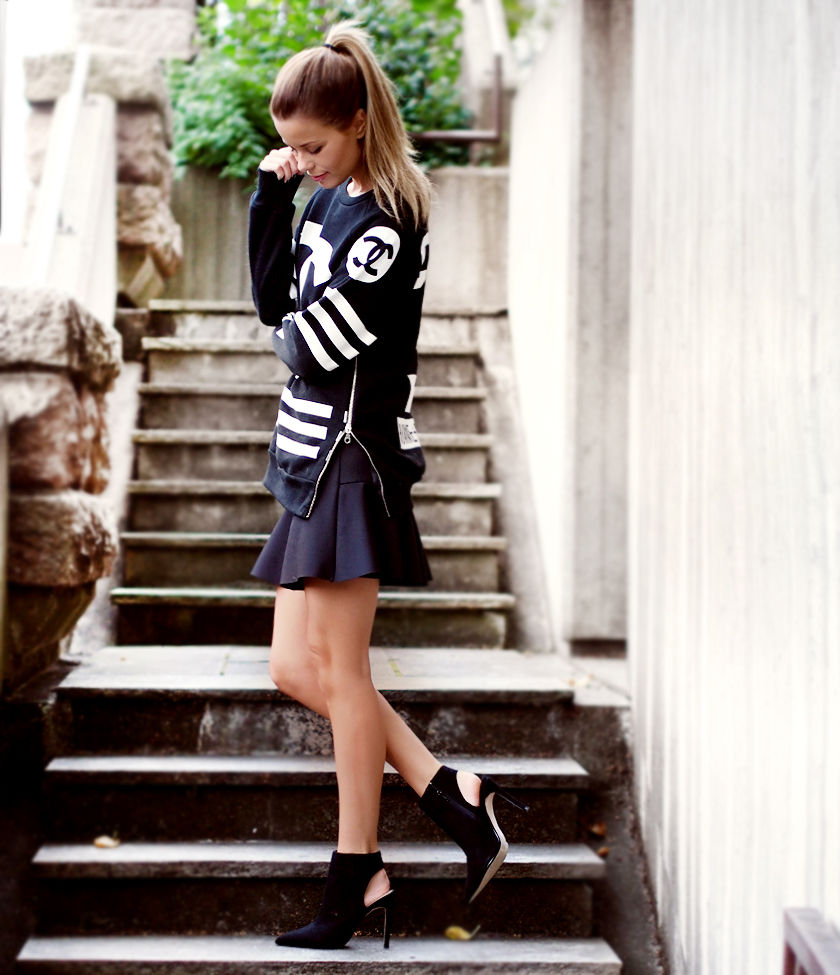Annette Haga is wearing a sweater from Homme + Femme, skirt from TopShop and the shoes are from Zara