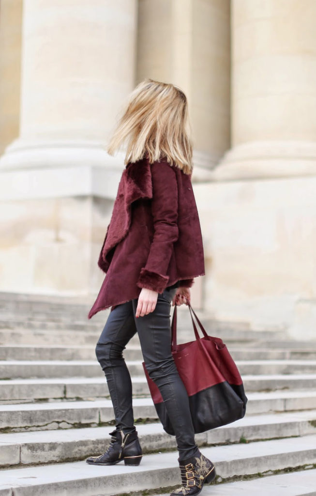 Trend: Caroline Louis is wearing a burgundy jacket from Oasis