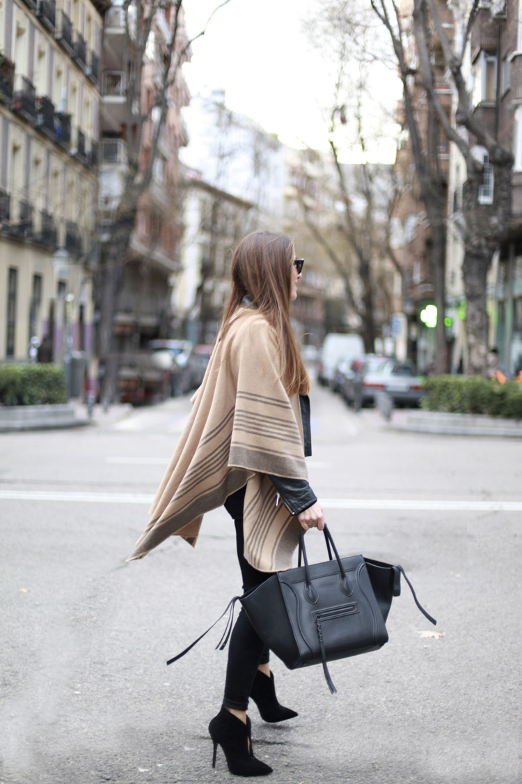 Cape Trend, 2015: Silvia Garcia is wearing a camel and grey cape from Lefties