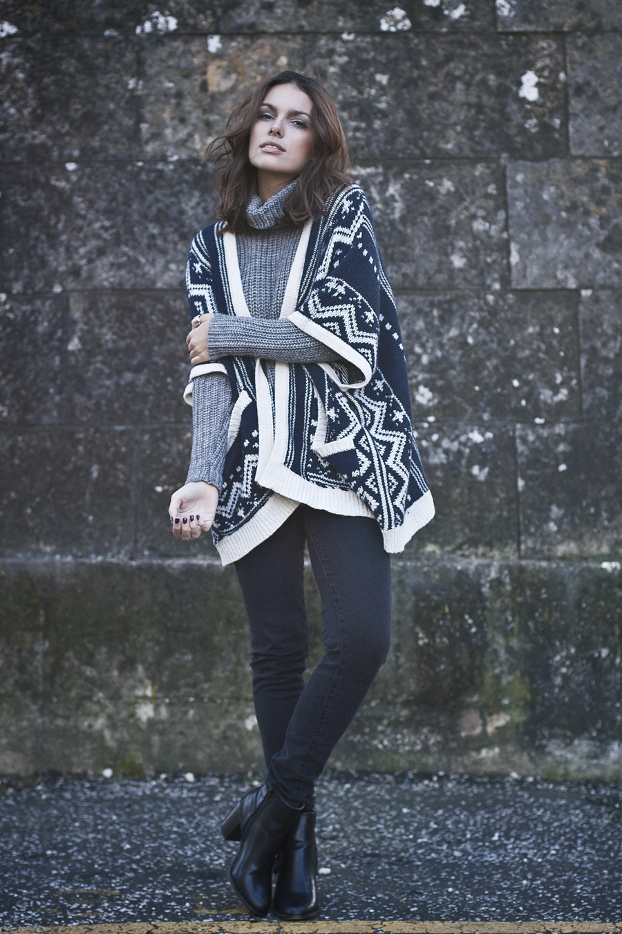 Mafalda Castro is wearing dark blue and white ethnic printed cape from Springfield
