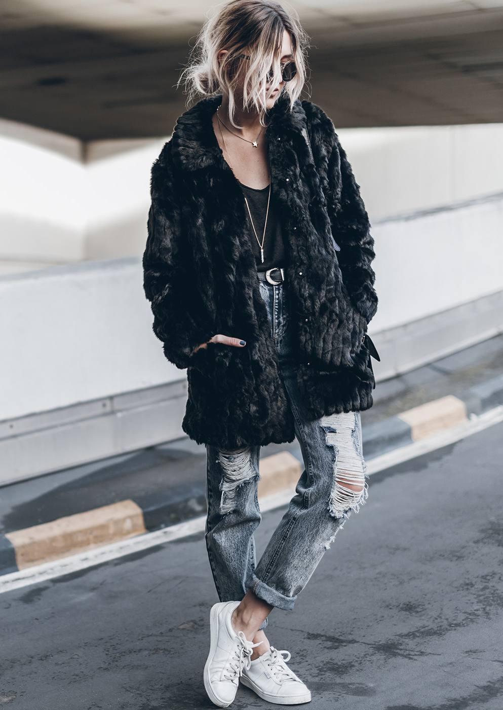 What about this fluffy coat for winter ? Any takers? Via Jacqueline Mikuta Coat: VILA, Jeans: Fashion Pills, Shoes: Esprit, Bag: Ganni