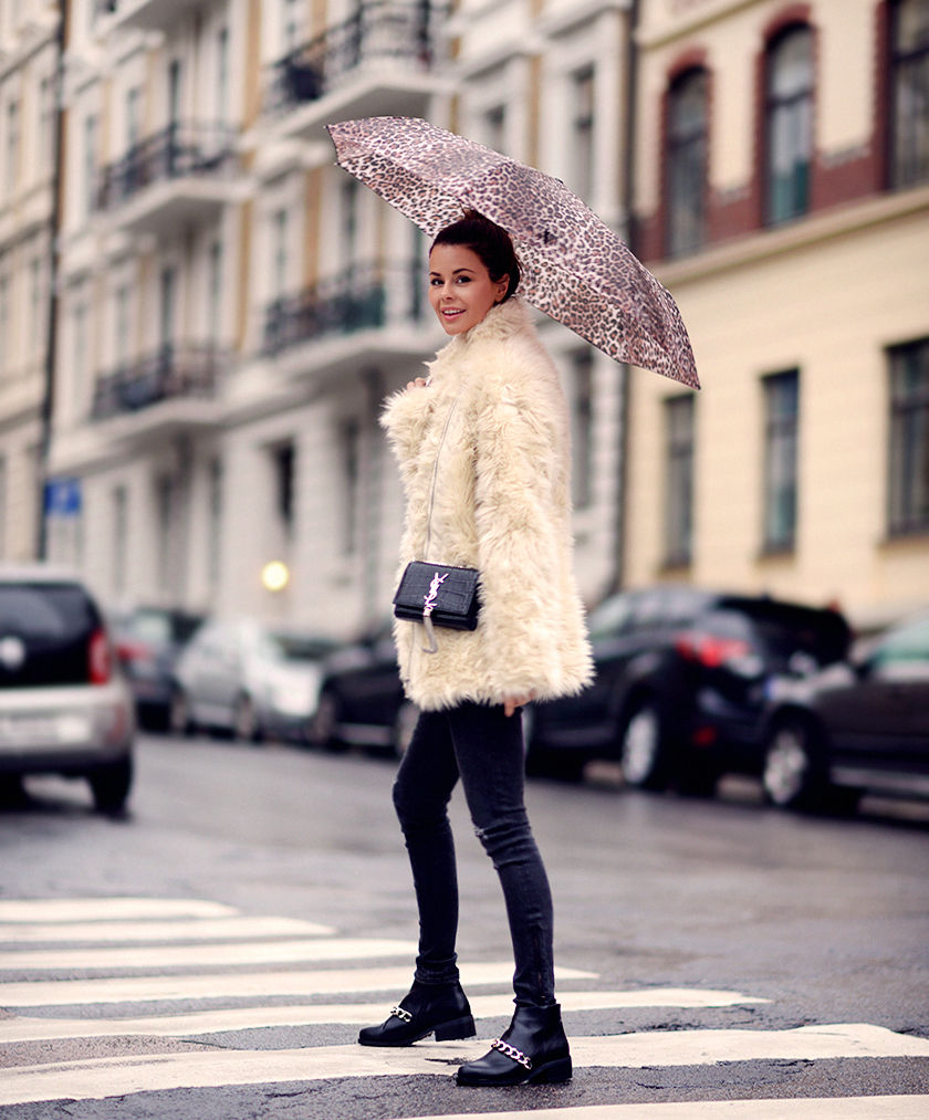 Annette Haga is wearing a fluffy jacket from H&M
