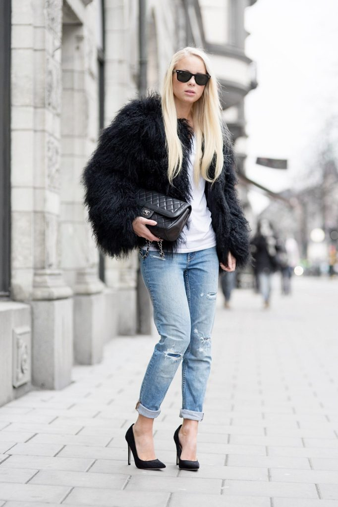 Victoria Tornegren is wearing a black faux fur outfit from Portabello