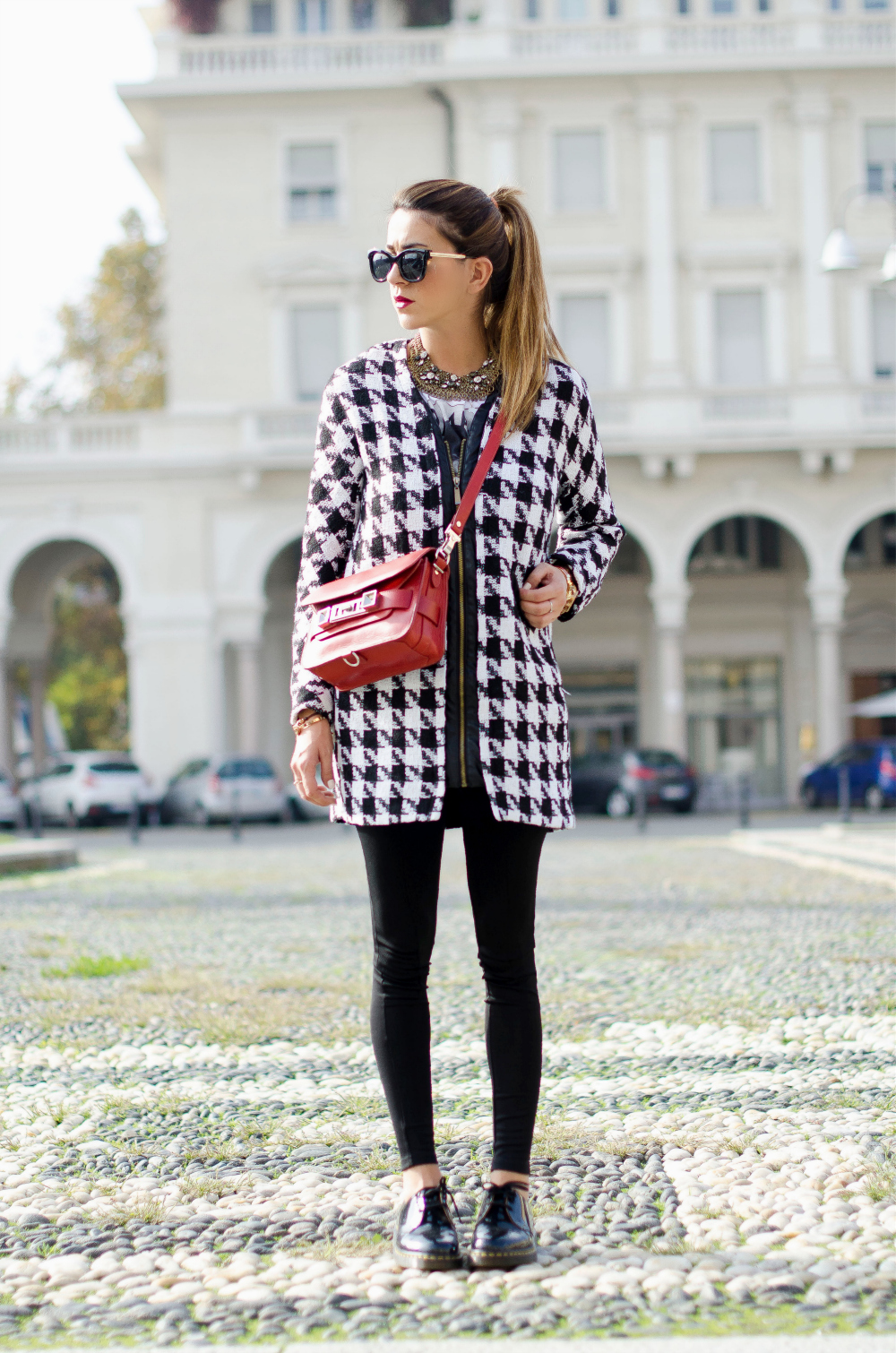 Nicoletta Reggio in her houndstooth pattern coat from Persunmall
