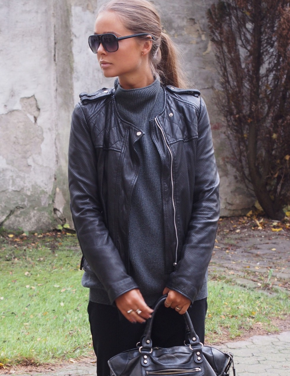 Maria Kragmann is wearing a leather jacket from MDK
