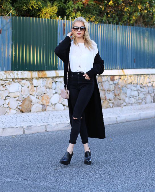 Pair your long cardigan with simple black jeans and shoes for a casual classic. Via Carodaur.com.  Shirt/Jeans: Topshop, Jacket: Mango.