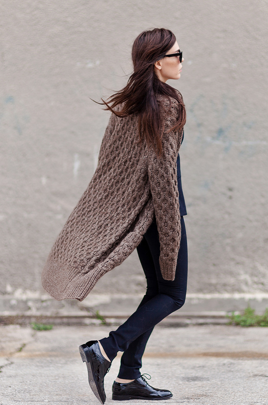 Evangelie Smyrniotaki is wearing a cable knit long cardigan from Michael Kors