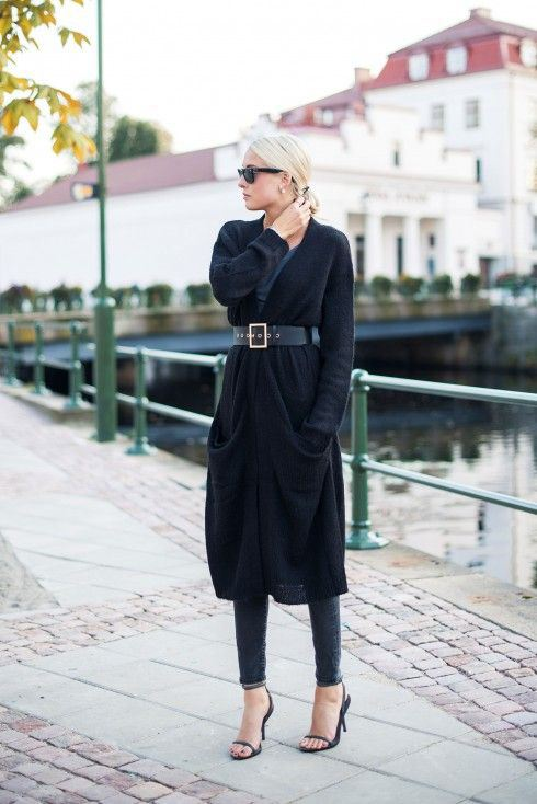 Ellen Claesson in black long cardigan from Gina Tricot