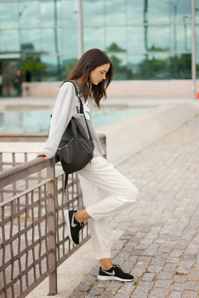 Rosalia Salas joins the normcore revolution. Simple, but smart. We love the simple backpack from Handle