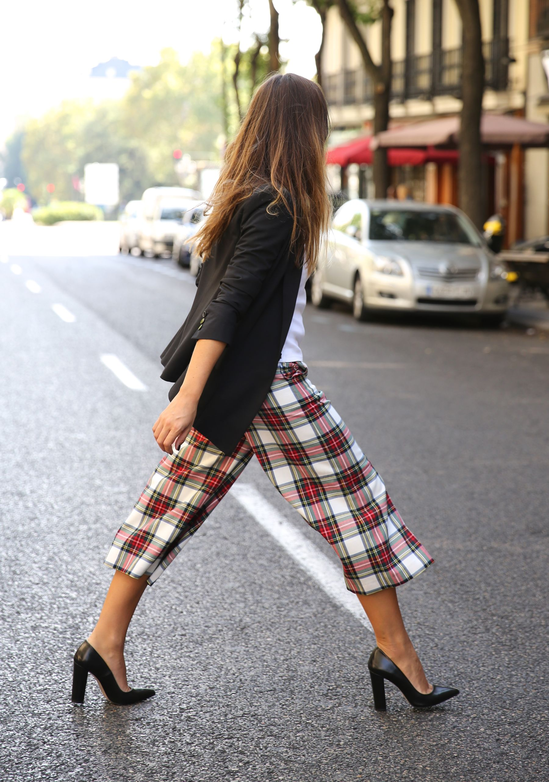 Natalia Cabezas is wearing high waisted plaid culottes from Coosy