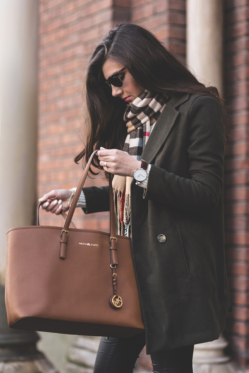 Preppy Outfits: Larisa Costea is wearing a scarf and coat from Sheinside and the brown tote is from Michael Kors