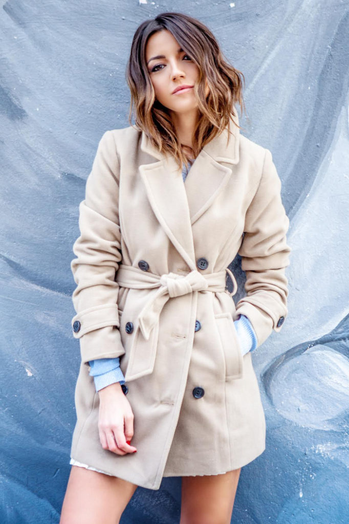 Alexandra Pereira is wearing a robe coat from Oxygene