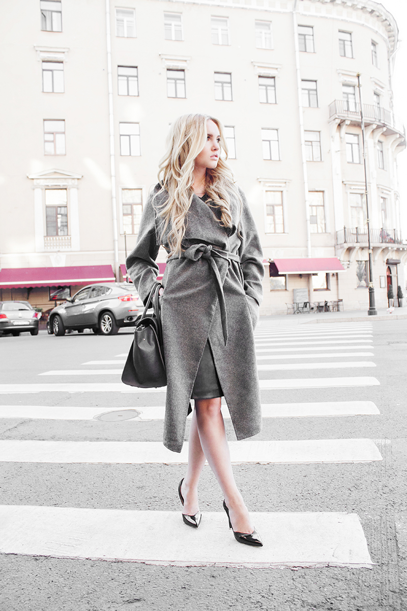 This sophisticated wrap around robe is perfect for smart or casual wear. Via Yakovleva Darya. Coat/ Heels: We Love Republic.