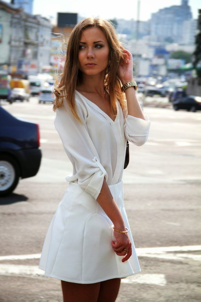 Anna Gotsyk in all white, shirt from Zara and the skirt is from Mango