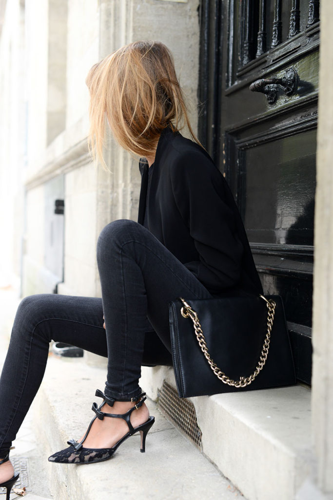 Cristina Fernandez is wearing a black blazer and top from Zara, matching jeans from Mango, bag from Purification Carcia and the shoes are from Uterque