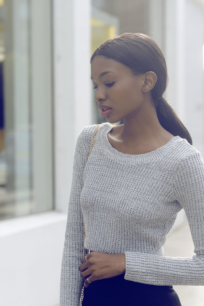 You know by now that this autumn is all about the colour grey, right? The knit crop top is from Missguided Via Natasha Ndlovu
