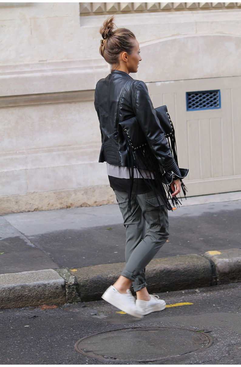 Camille Callen is wearing a leather jacket from Spain, cargo trousers from Jennyfer, sneakers from Lacoste and the bag is from Alain Manoukian