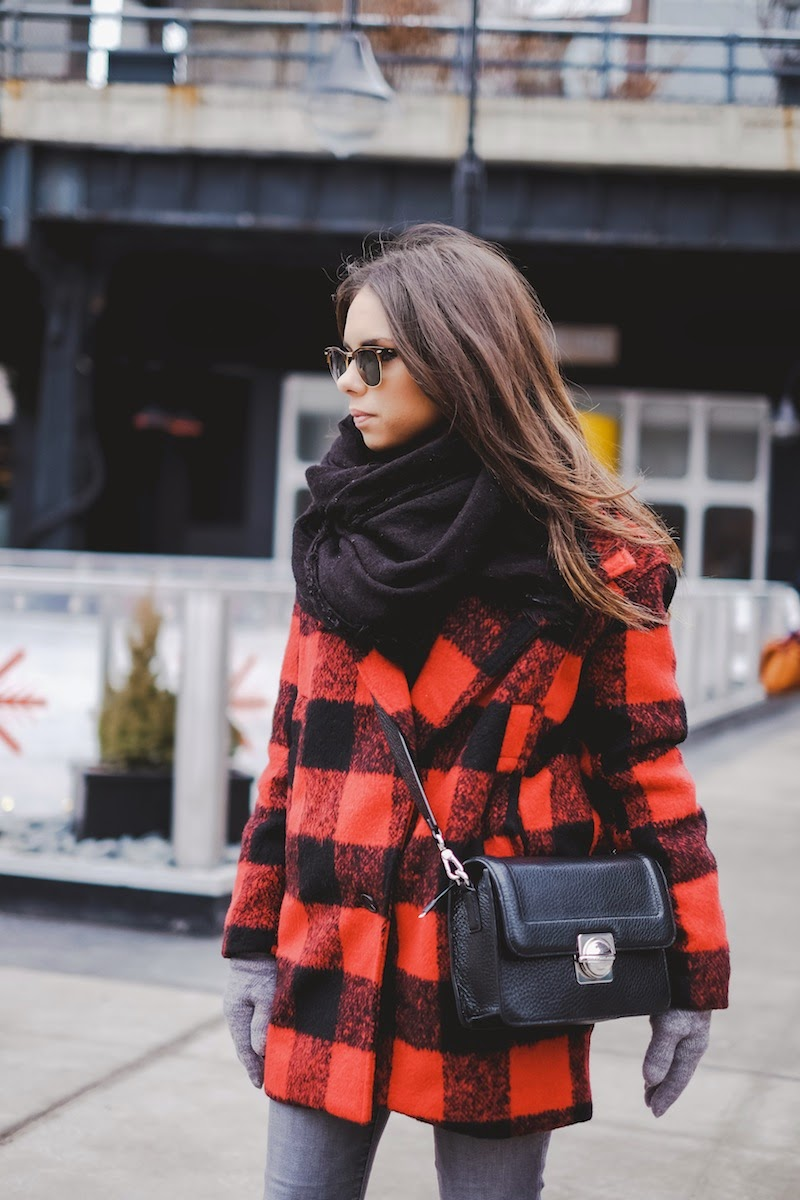 Daniela Ramirez is wearing a plaid coat from Shoppiin