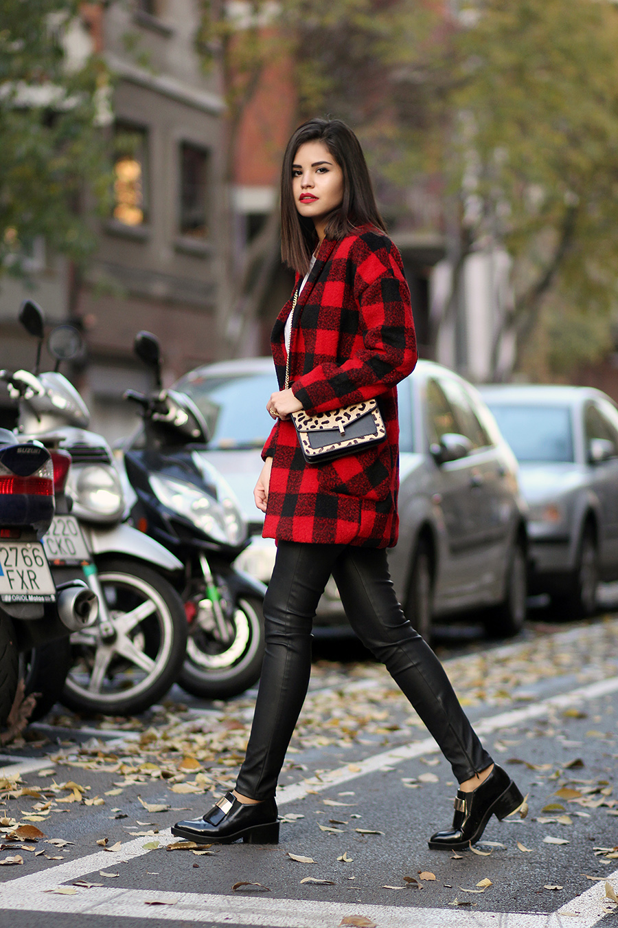 Plaid Trend: Adriana Gastélum is wearing a buffalo plaid coat from H&M