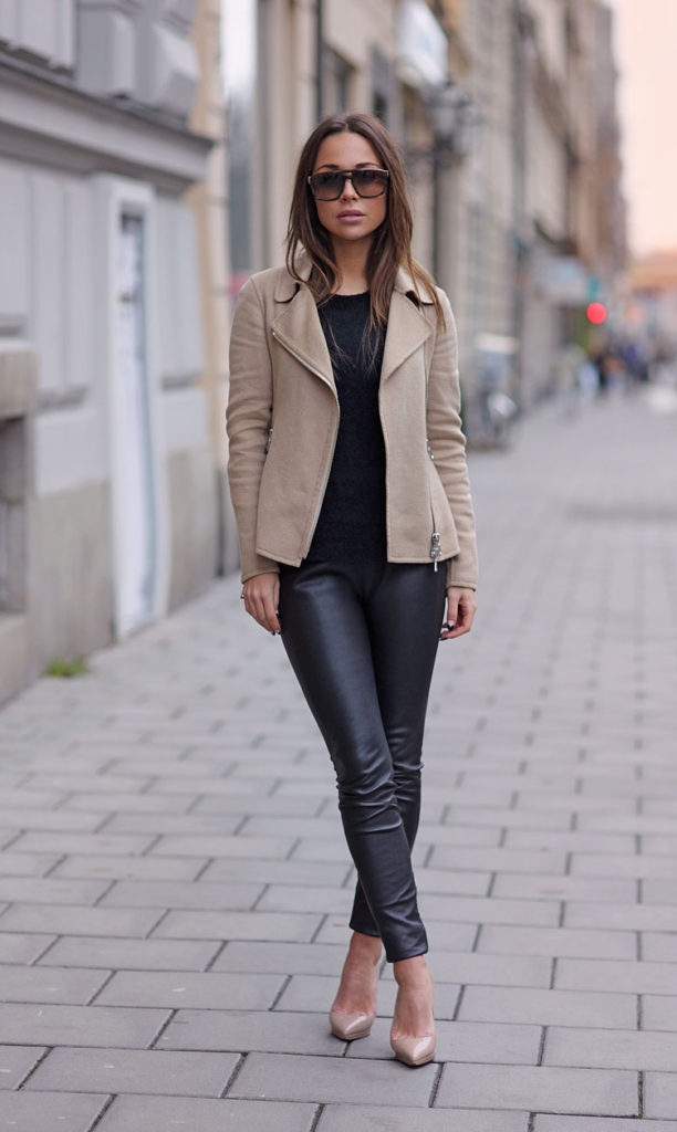 Johanna Olsson is wearing a camel coloured jacket from Moschino