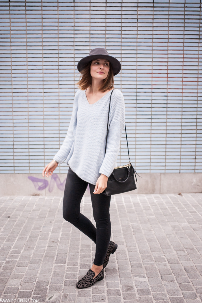 Paulien Riemis is wearing a pale blue V neck knit sweater from TopShop