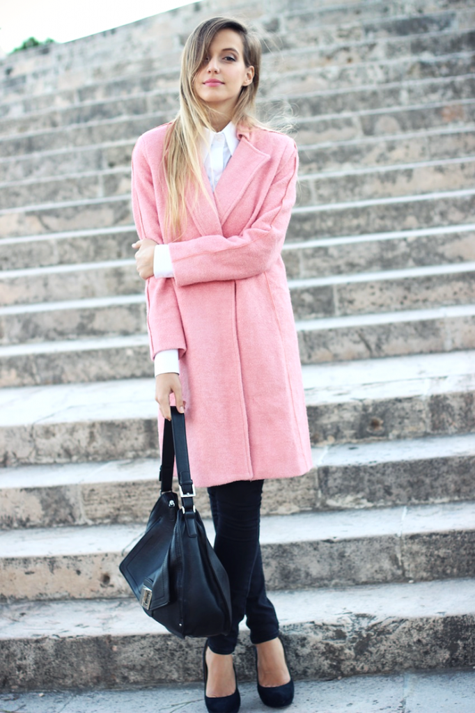 Winter Pastel Outfit: Ivana Julián is wearing a pink coat from Oasap