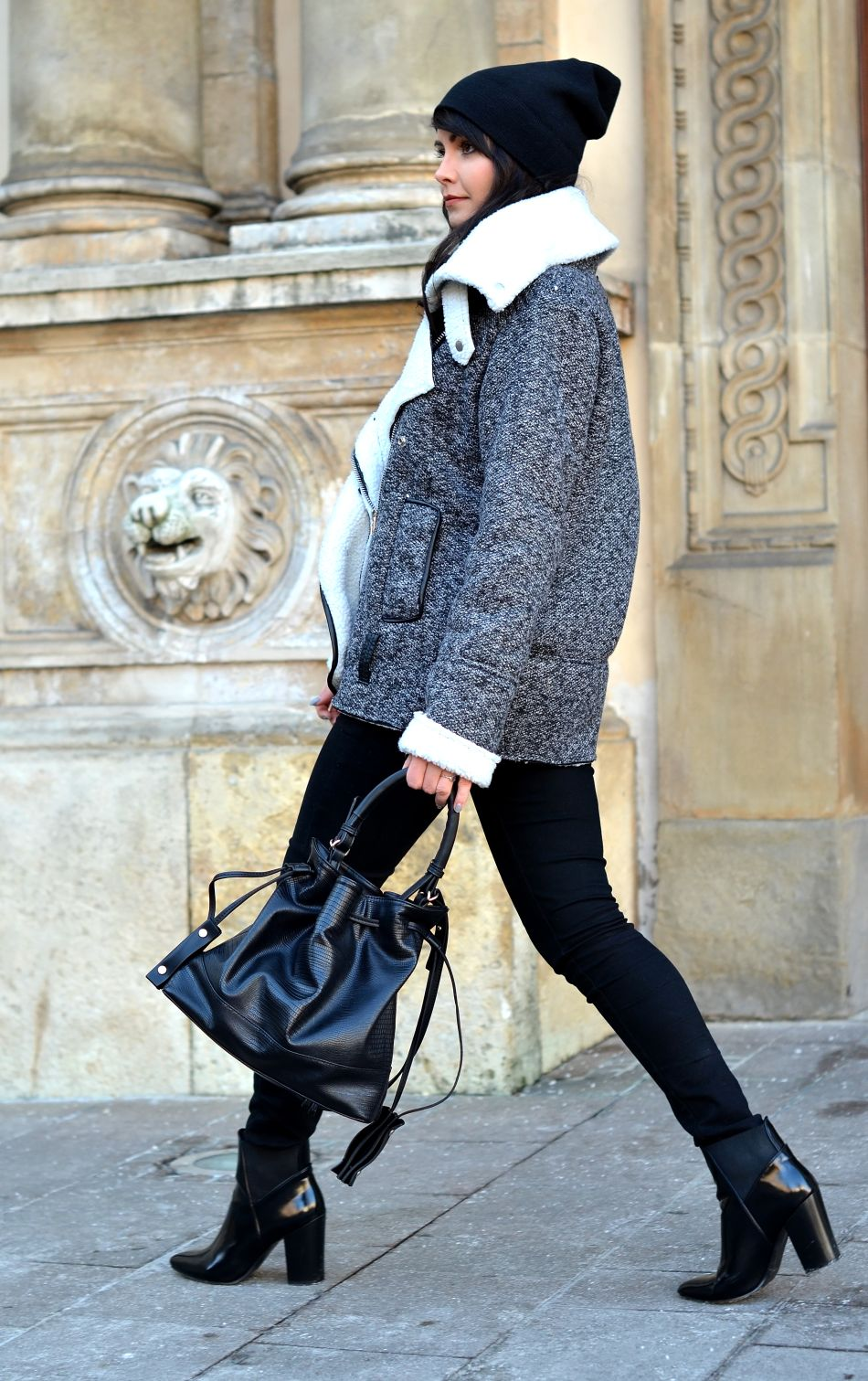 Sheepskin Trend: Kamila Leciak is wearing a grey sheepskin coat from Sheinside