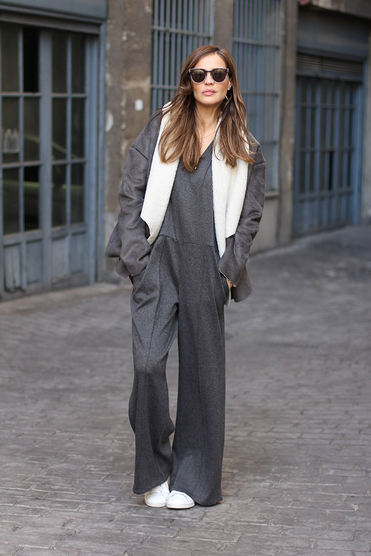 Silvia Zamora is wearing a grey shearling coat from SuiteBlanco