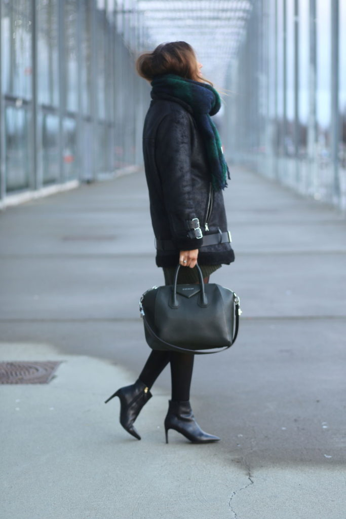 Benedichte is wearing a shearling trimmed coat from Zalando