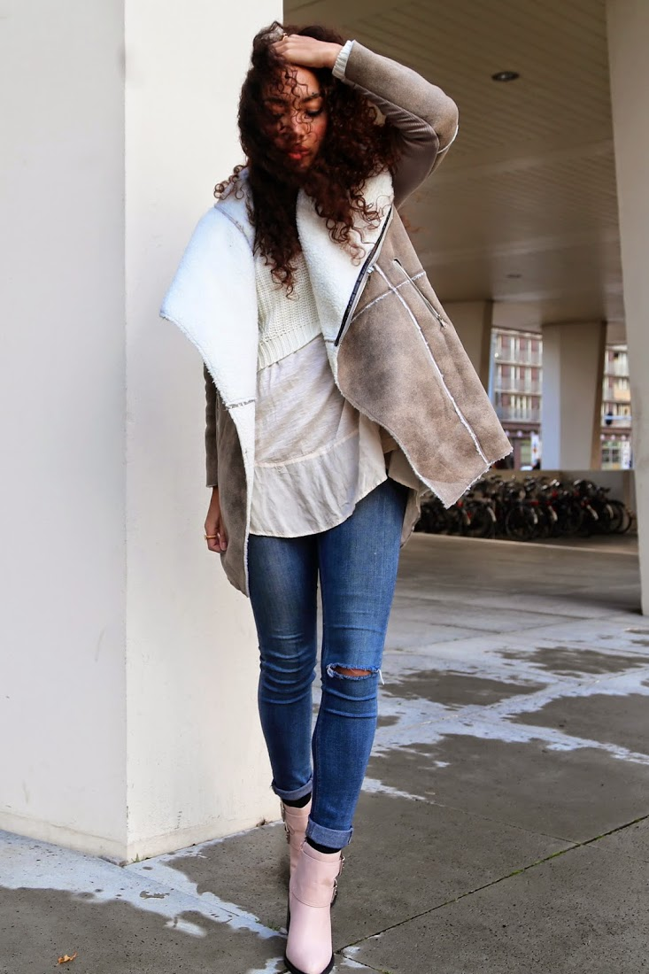 Shearling Trend 2014: Larissa Bruin is wearing a coat from from Lioness