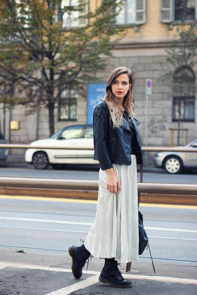 Ivana Julián is wearing a metallic skirt from Q2, leather jacket from Asos and the boots are from Dr. Martens