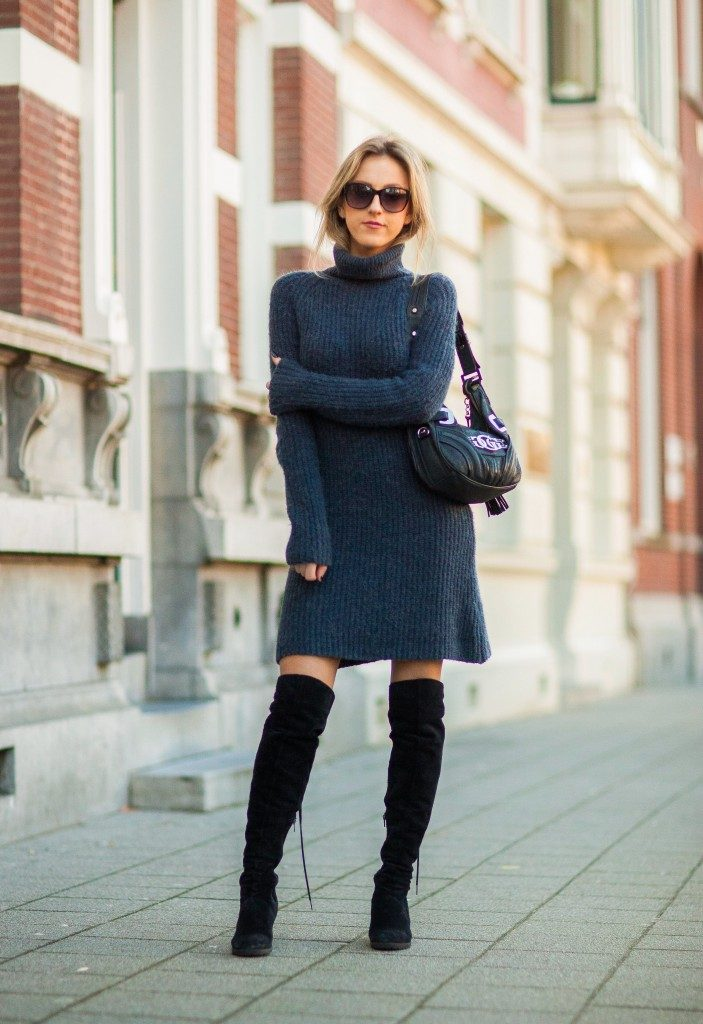Sweater Dress Trend: Anna Belle Clarenburg is wearing a blue sweater dress from Asos